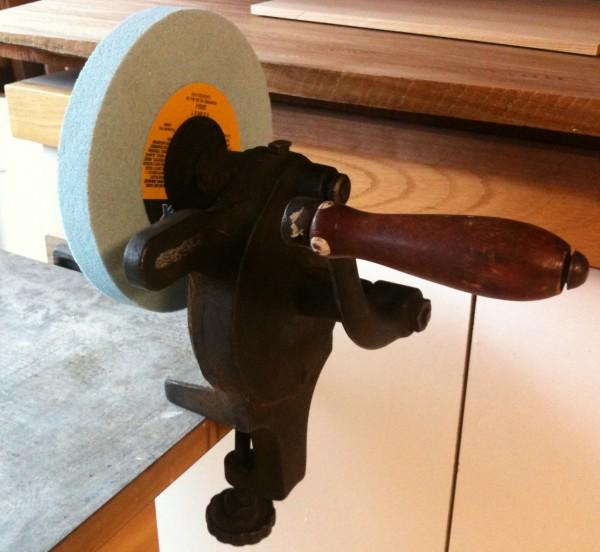 hand cranked grinder