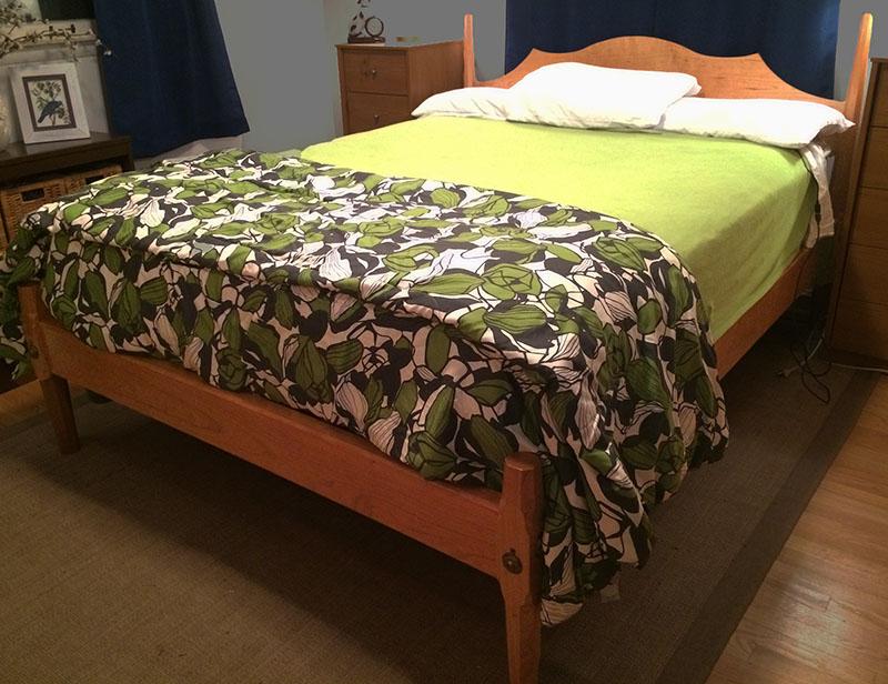 4 post queen bed